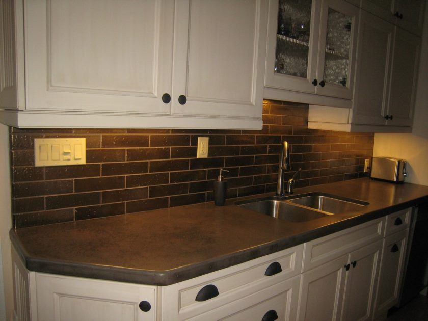 04-small-kitchen-decoration-using-black-subway-tile-kitchen-backsplash-including-black-granite-porcelain-tile-kitchen-countertops-and-white-wooden