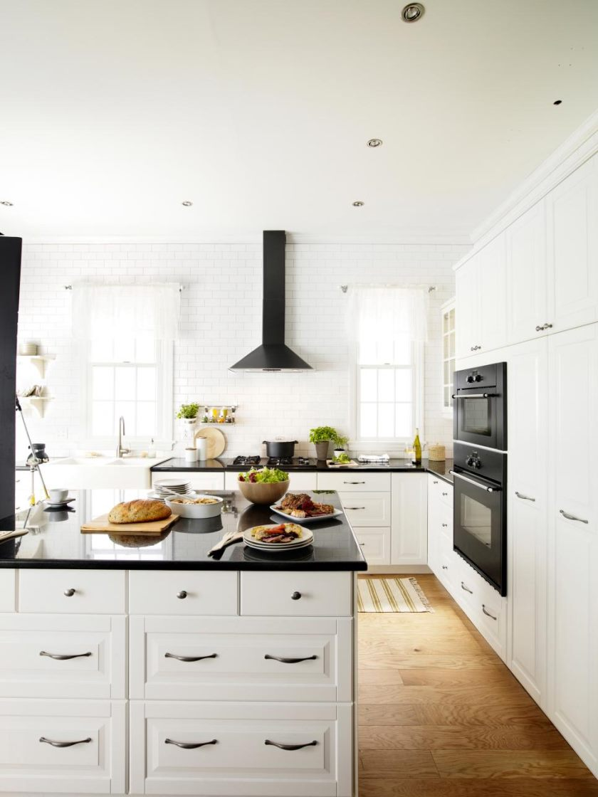 ci-ikea_lidingo-black-and-white-kitchen_s3x4-jpg-rend-hgtvcom-966-1288