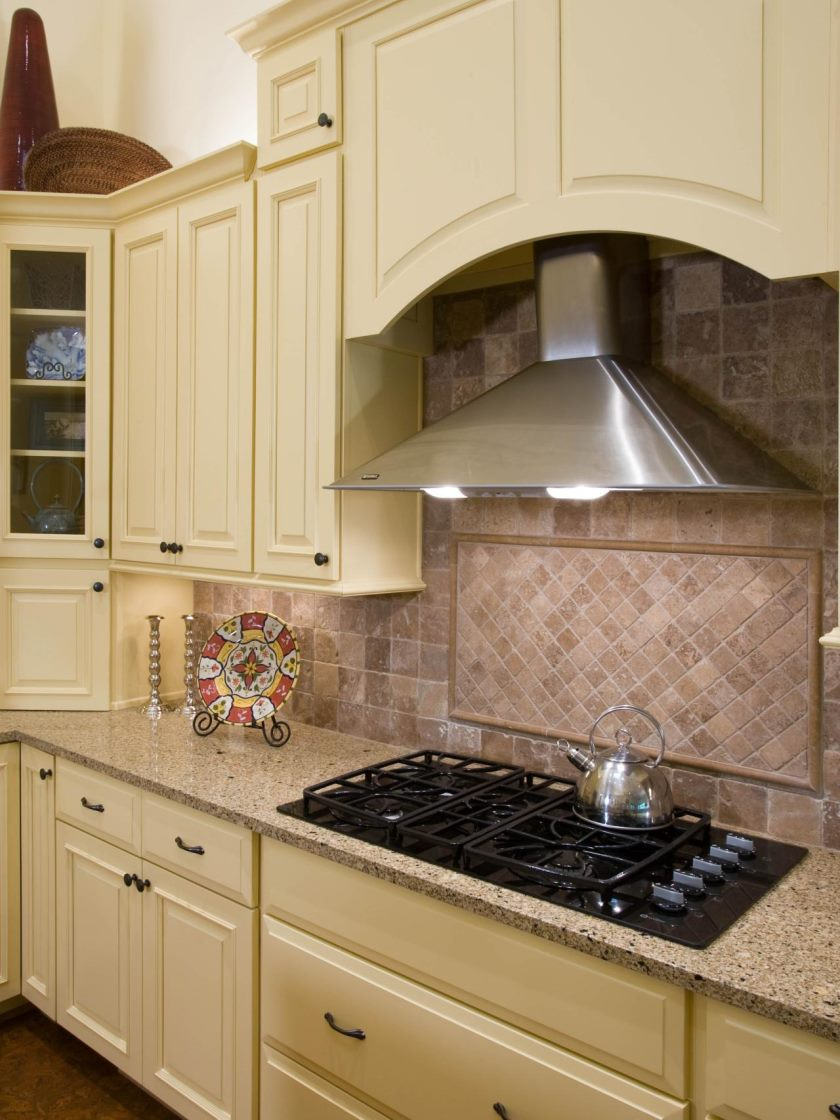dp_acm-designs-beige-cream-arts-and-crafts-kitchen-hood_v-jpg-rend-hgtvcom-1280-1707