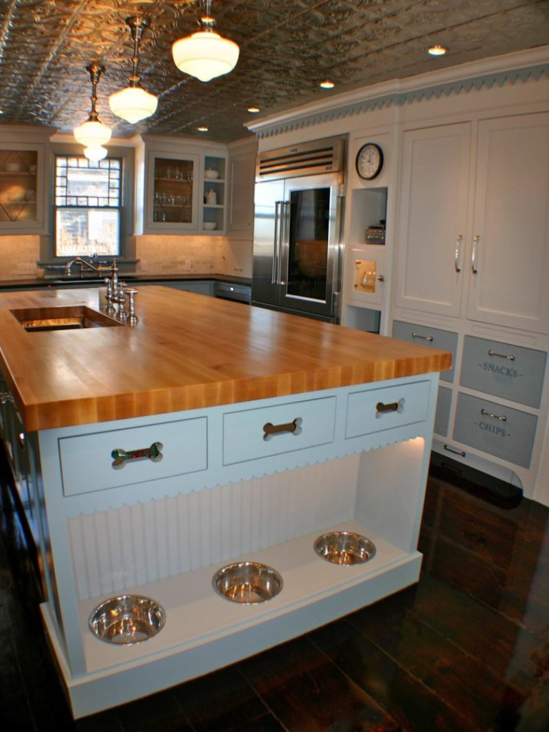 original_artisan-kitchens-built-in-dog-bowls-jpg-rend-hgtvcom-1280-1707