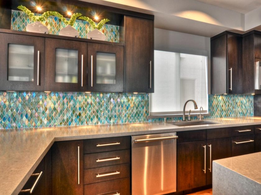 rs_shirry-dolgin-contemporary-kitchen-backsplash_s4x3-jpg-rend-hgtvcom-1280-960