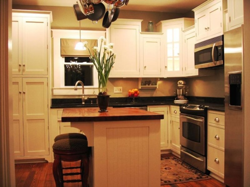 small-kitchen-islands-with-stools