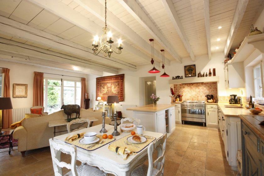 the-kitchen-in-the-style-of-provence-photo-09