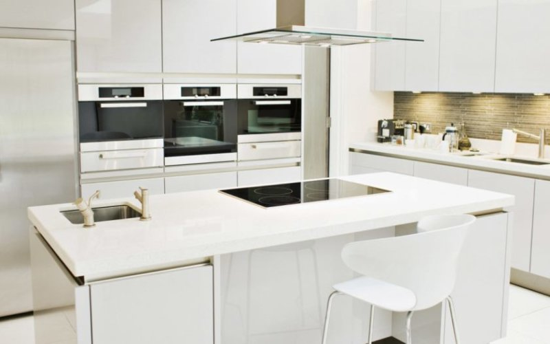 classy-design-modern-home-kitchen-ideas-with-rectangle-shape-white-kitchen-island-and-built-in-stoves-also-whi