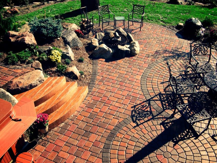 garden-paving-ideas-at-the-garden