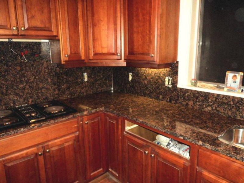 kitchen-granite-countertops-and-backsplash-ideas-1024x768
