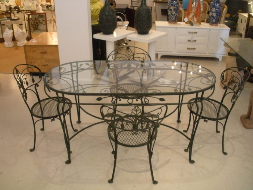natural-iron-dining-table