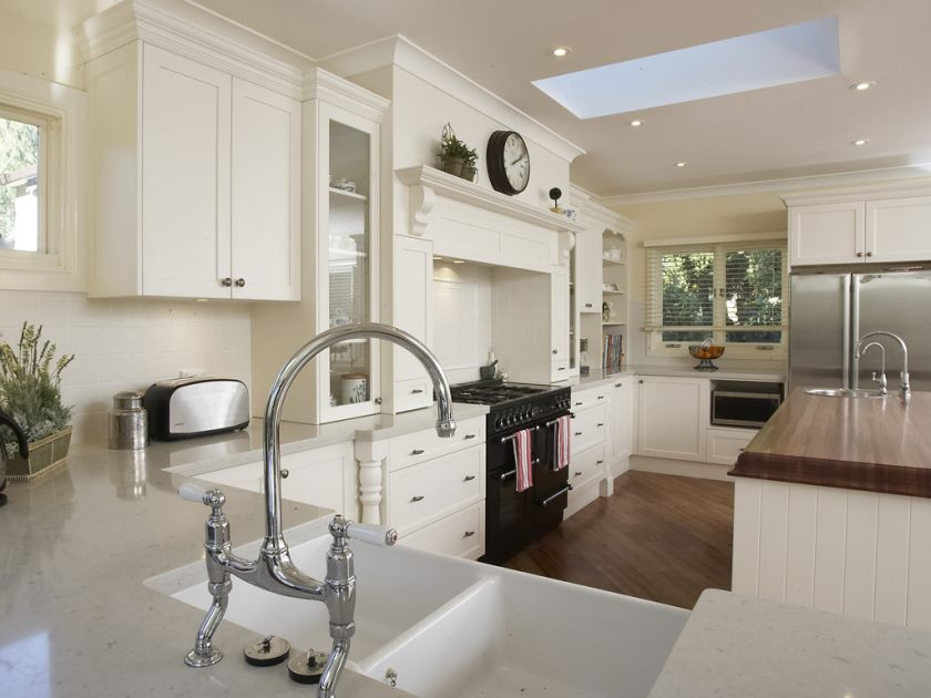 perfect-restaurant-kitchen-design-inspiring-french-white-provincial-kitchen-areas-with-chrome-faucet-sinks-elegant-cabinetary-and-stoves-also-laminated-flooring-spaces