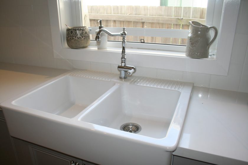 porcelain-kitchen-sink-chip-repair-vs-kohler-undermount-porcelain-kitchen-sinks-on-porcelain-kitchen-sink