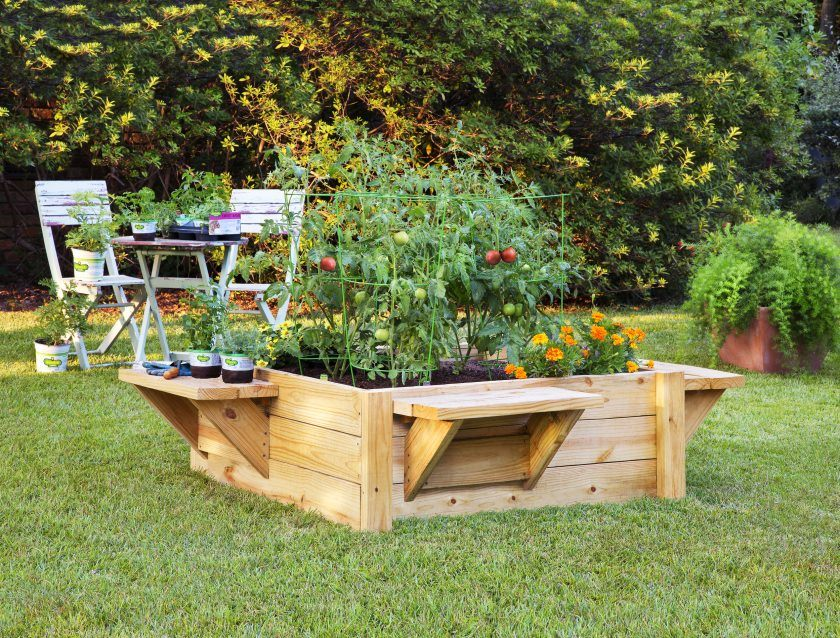 Bonnie raised bed planter project with seats