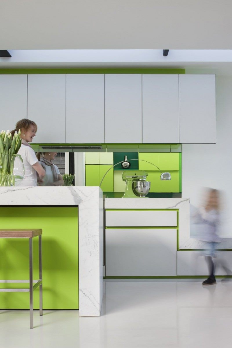 white-green-kitchen-color-combination