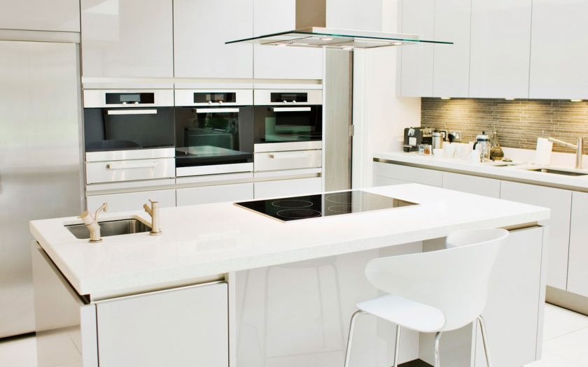 white-lacquer-kitchen-cabinets