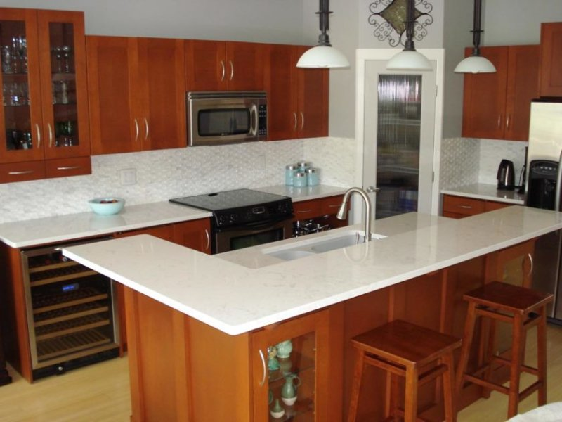 white-quartz-countertops