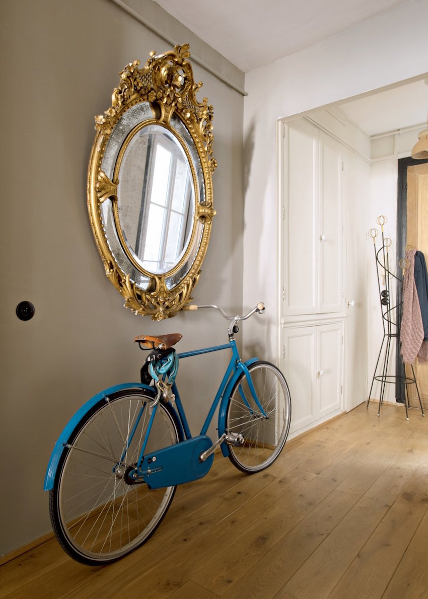10-stunning-large-mirrors-to-make-your-home-feel-bigger-10