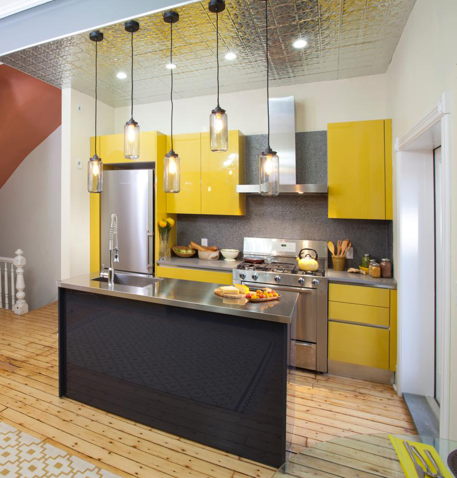 11-brings-yellow-and-metallic-surfaces-small-kitchen-design-homebnc