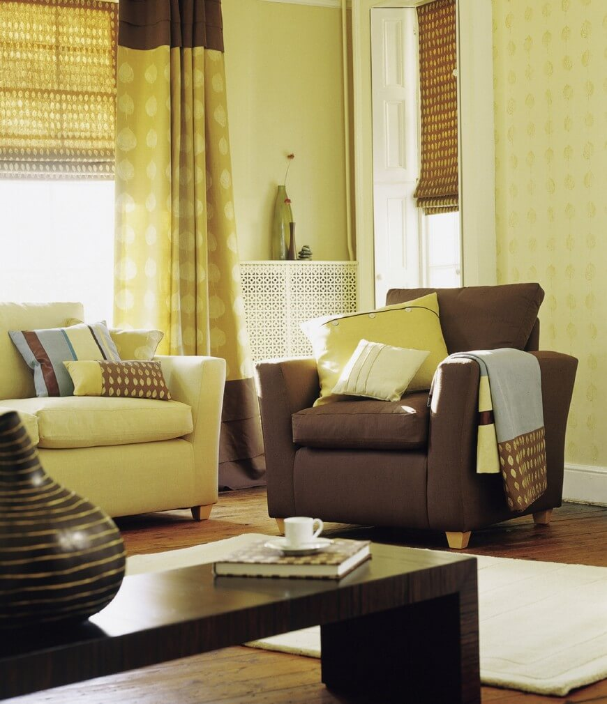 26-living-room-with-curtains-870x1010