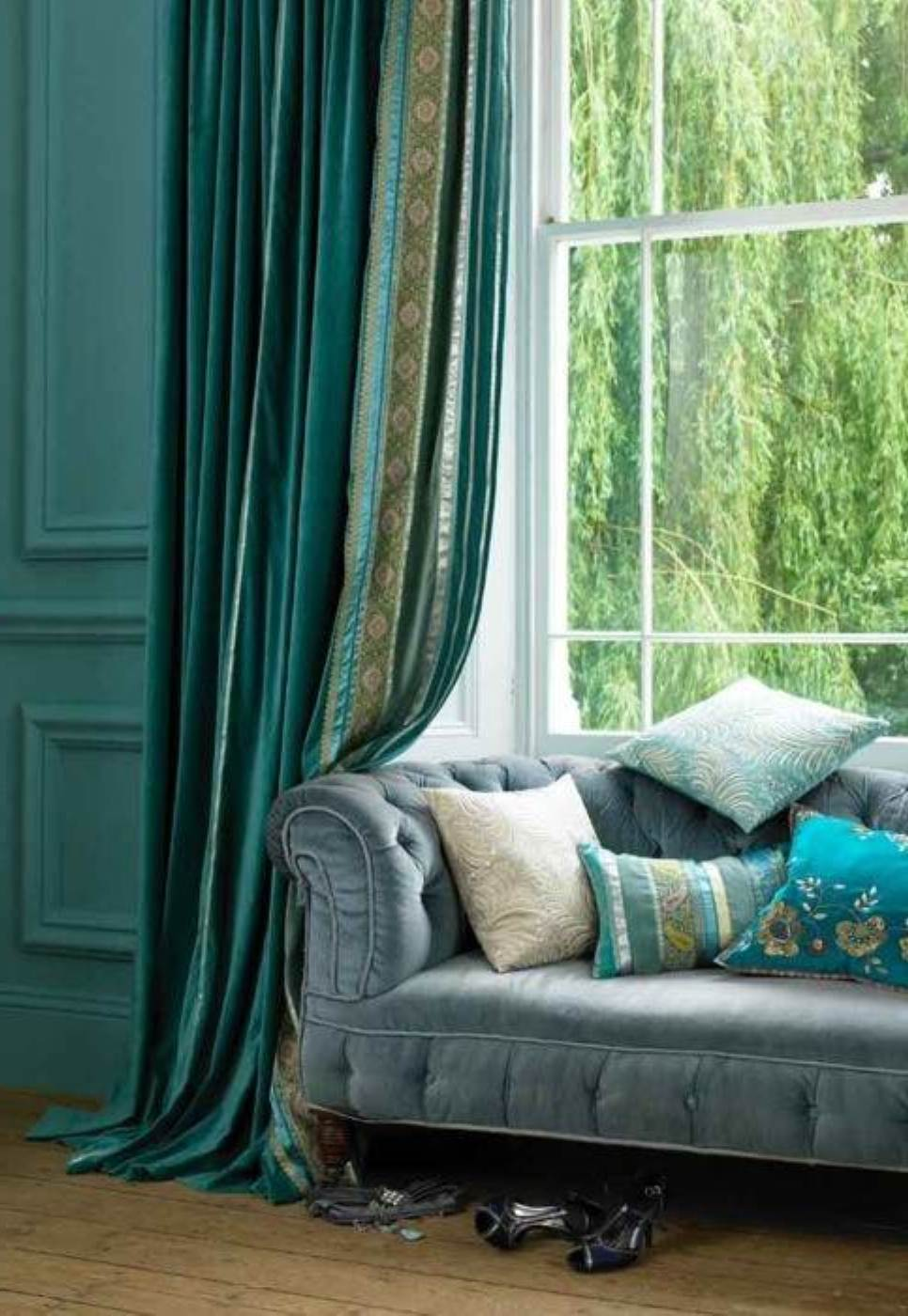 astounding-design-of-the-living-room-drapes-with-green-wall-added-with-blue-curtain-added-with-blue-sofa-ideas