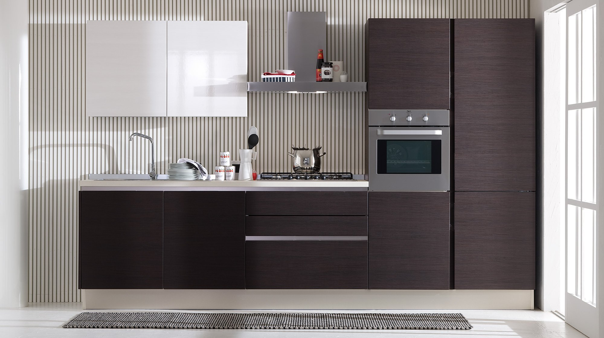_beautiful_brown_kitchen_091495_