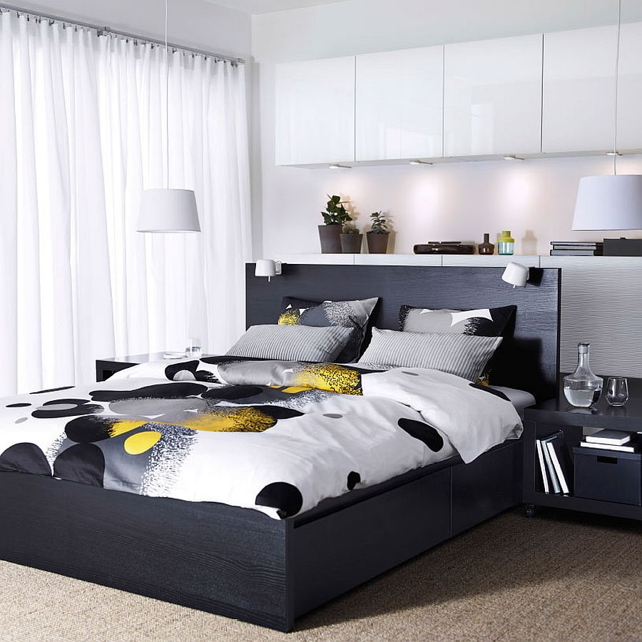 bedding-in-black-and-white-wit-pops-of-yellow