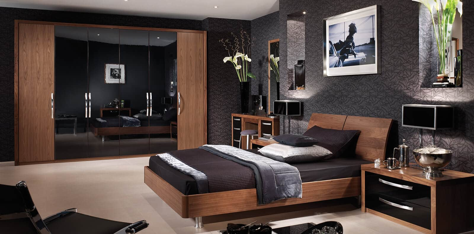 black-gloss-walnut-full-bedroom-1600x792