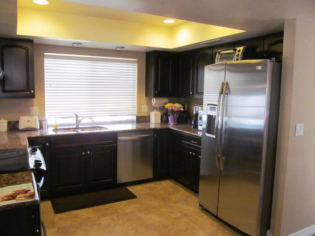 black-kitchen-cabinets-small-kitchen