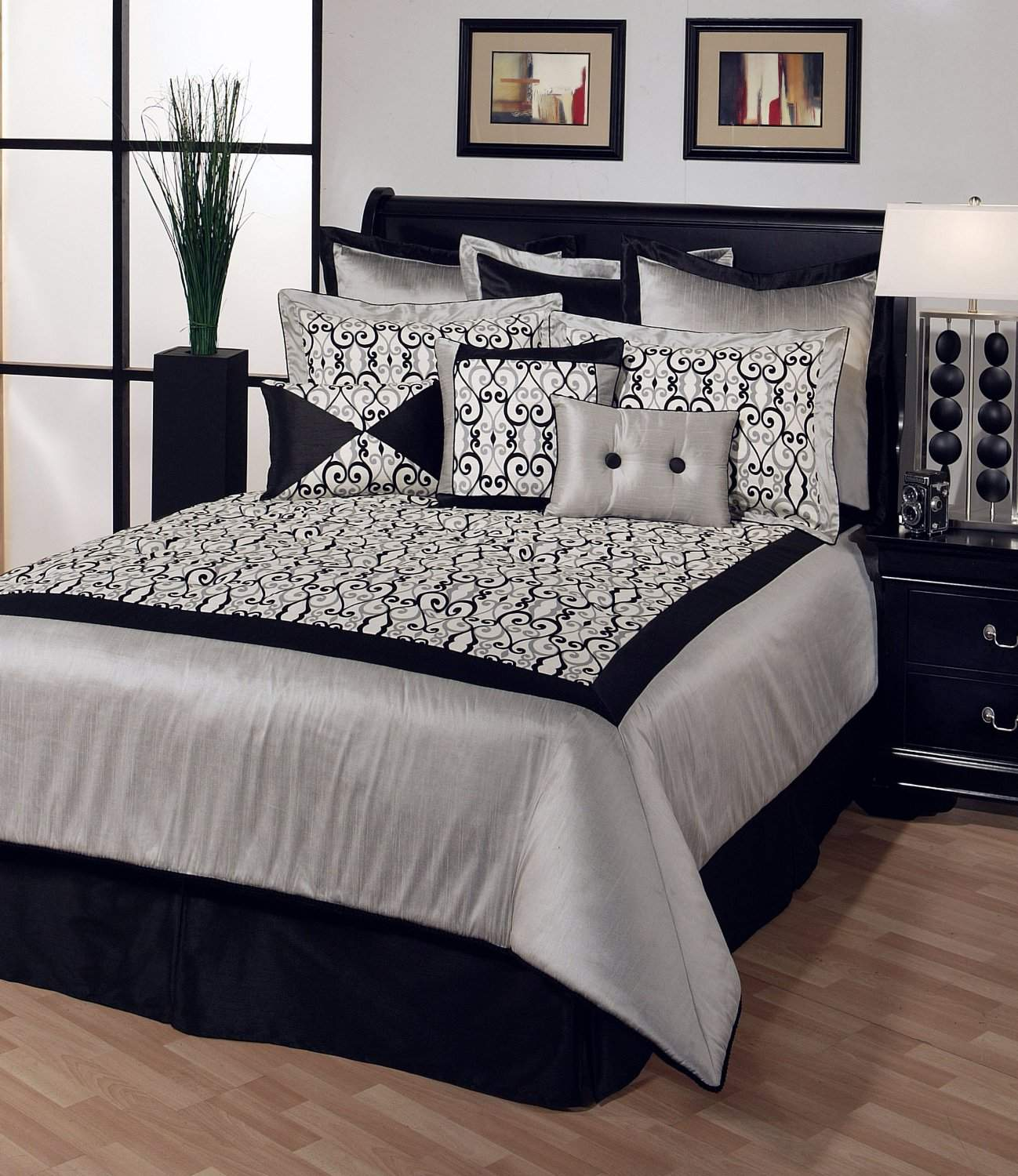black-and-white-bedrooms-pictures-decorating-ideas