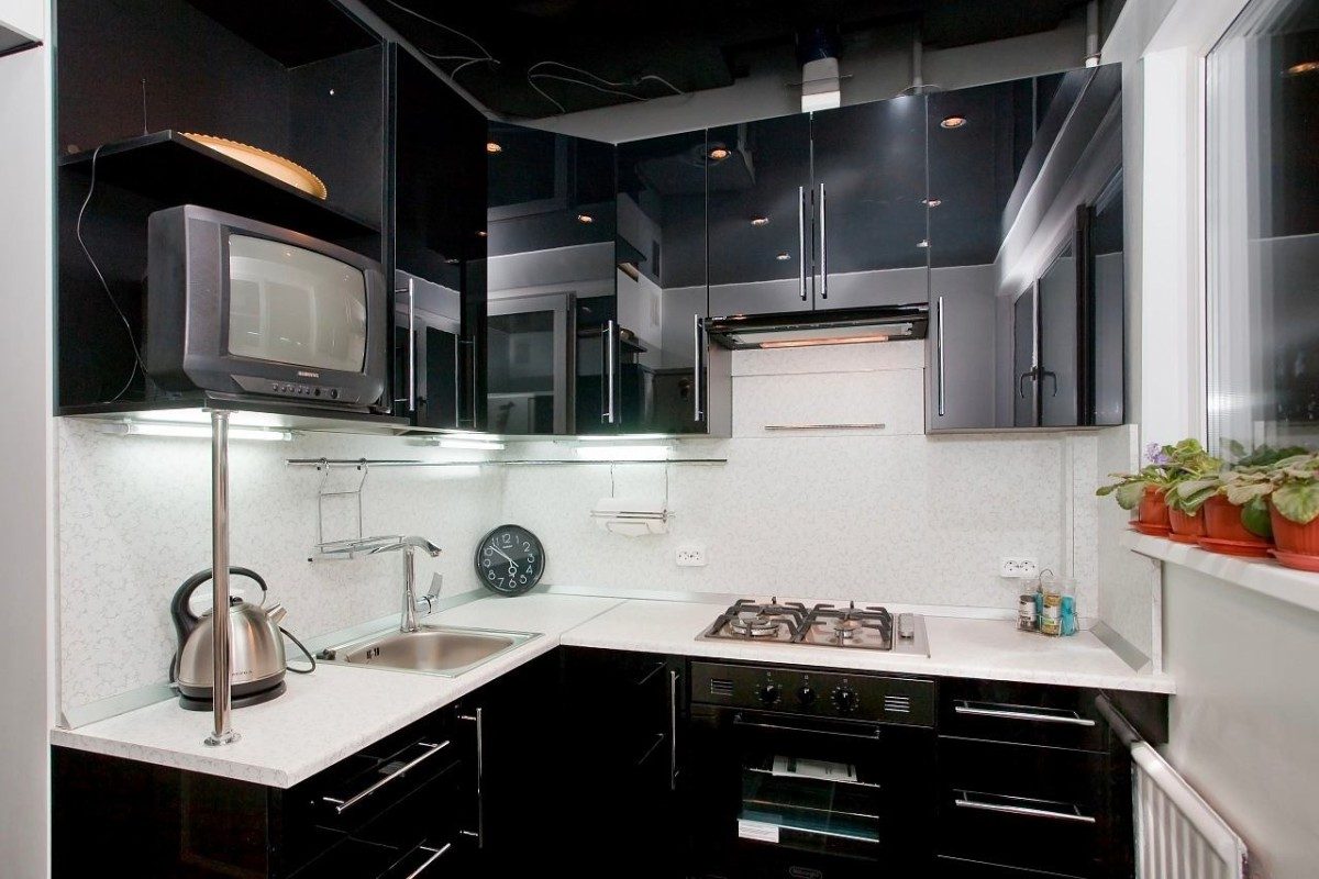 black-kitchen-interior-photo-07