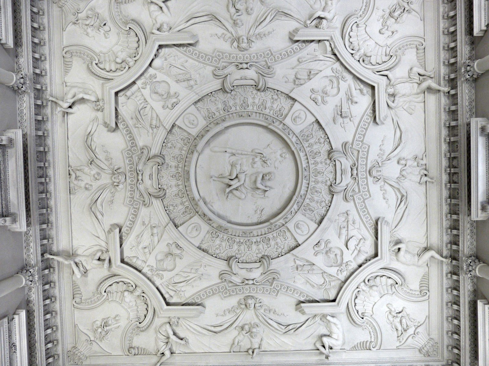 clandon-park-entrance-hall-ceiling