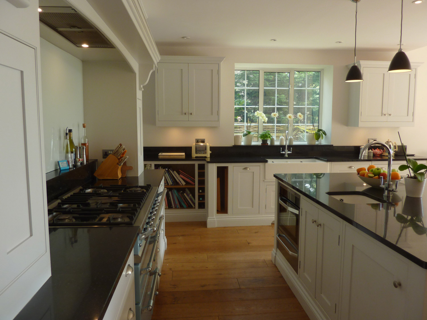 classic-kitchen-with-granite-worktop-wwow