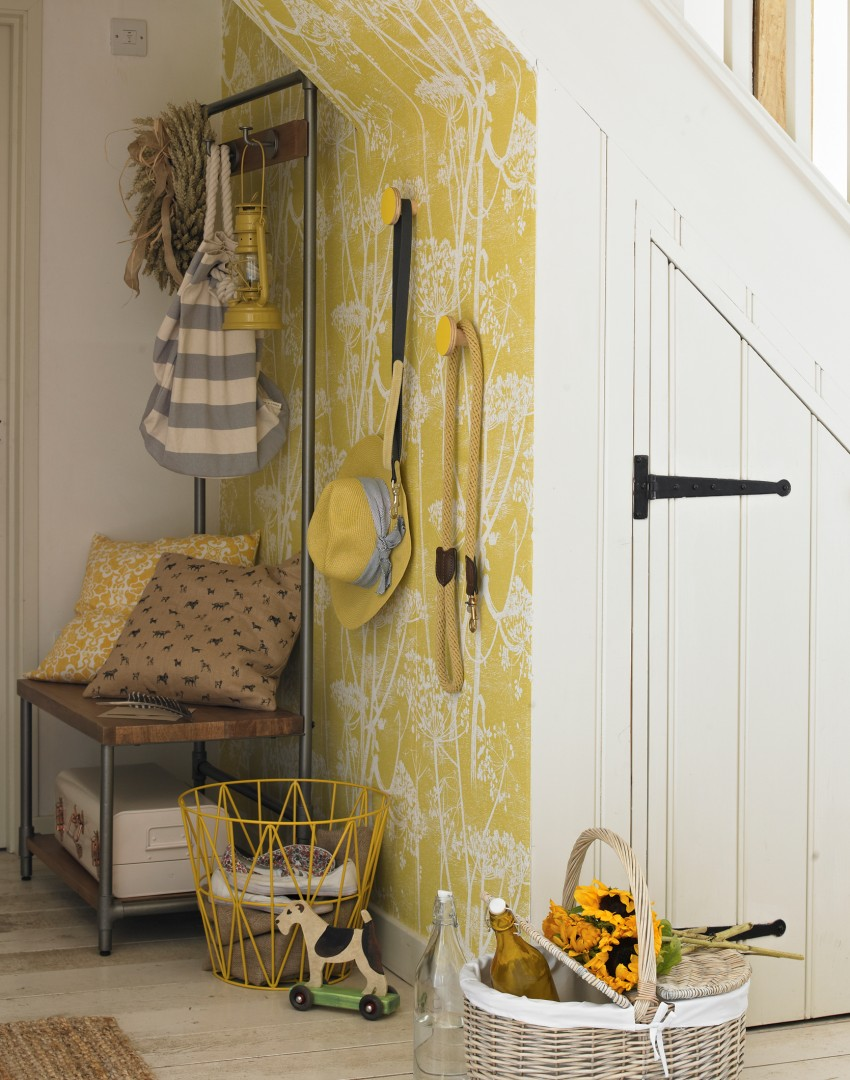 country-hallway-with-yellow-feature-wallpaper