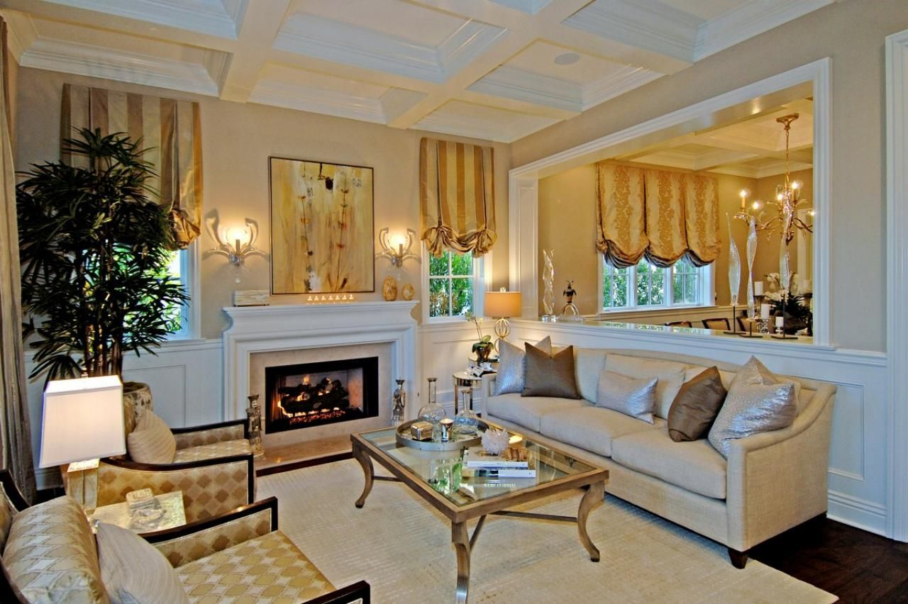dp_jill_wolff_traditional_neutral_living_room_with_gold_accents_h-jpg-rend_-hgtvcom-1280-853