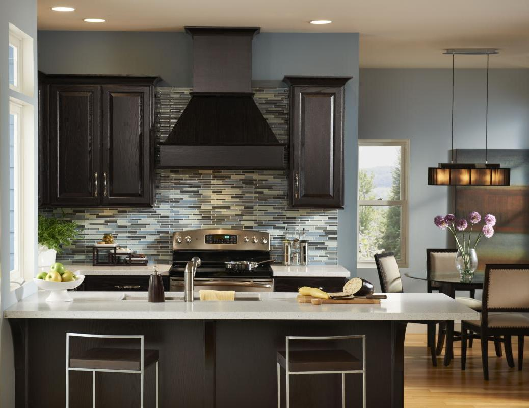 dark-kitchen-cabinets-design