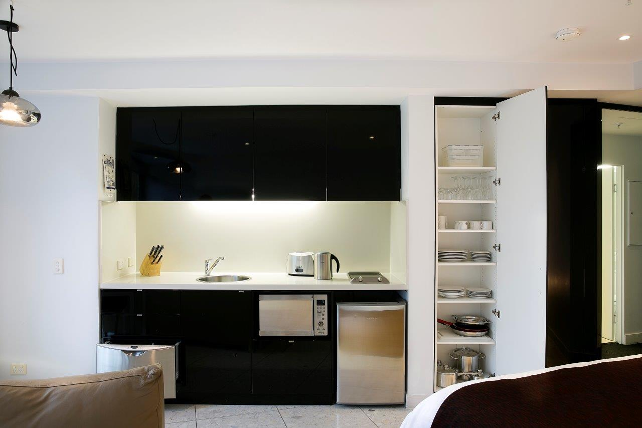 dazzling-studio-apartment-kitchen-k3rnc1