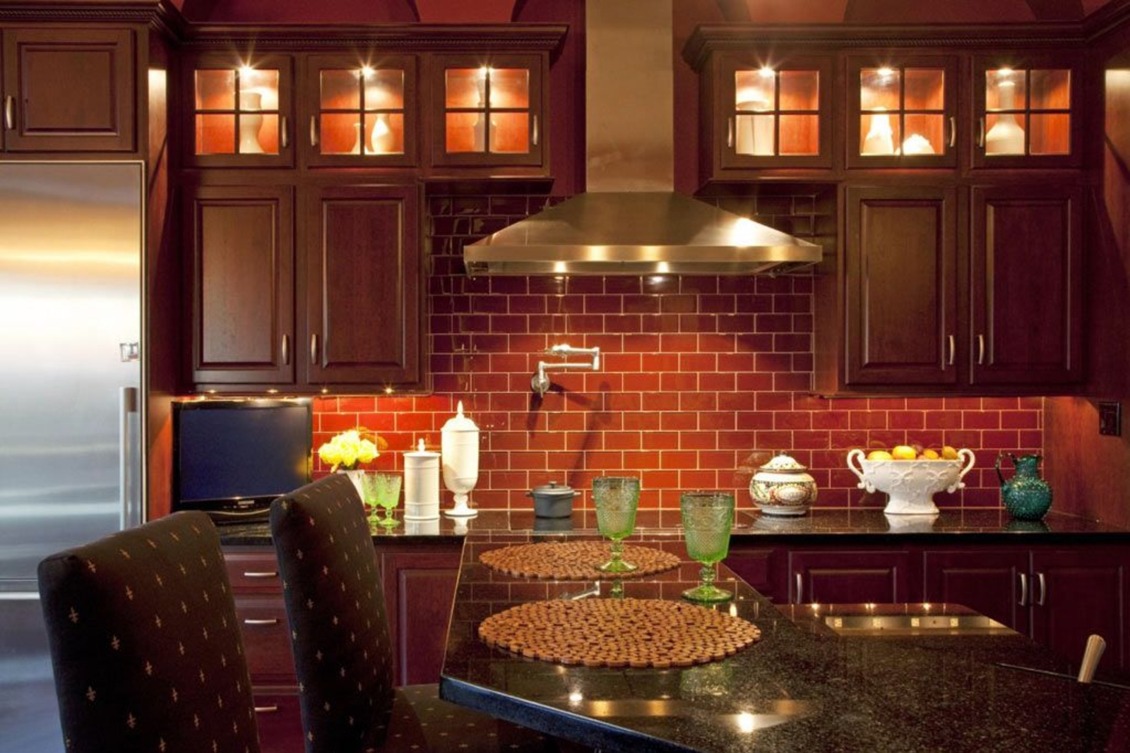 exposed-brick-walls-in-the-kitchen