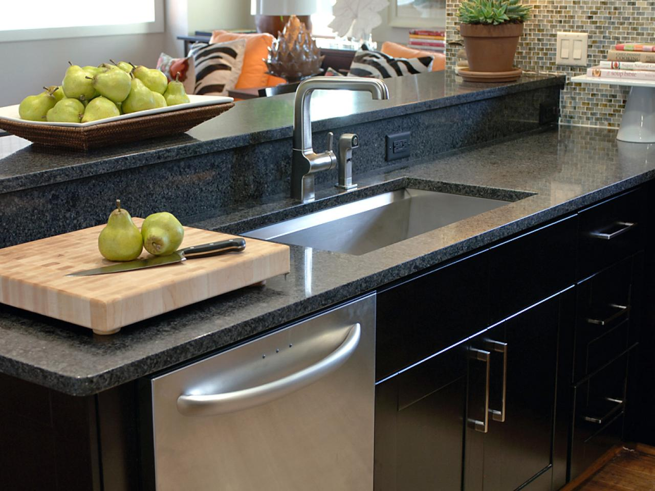How to replace kitchen faucet for modern kitchen