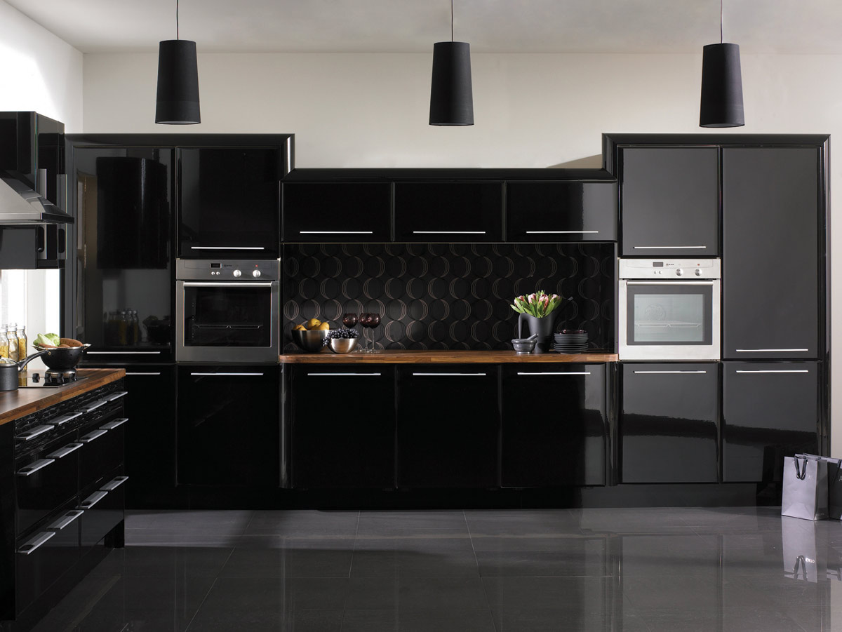 hg-black-pisa-kitchen