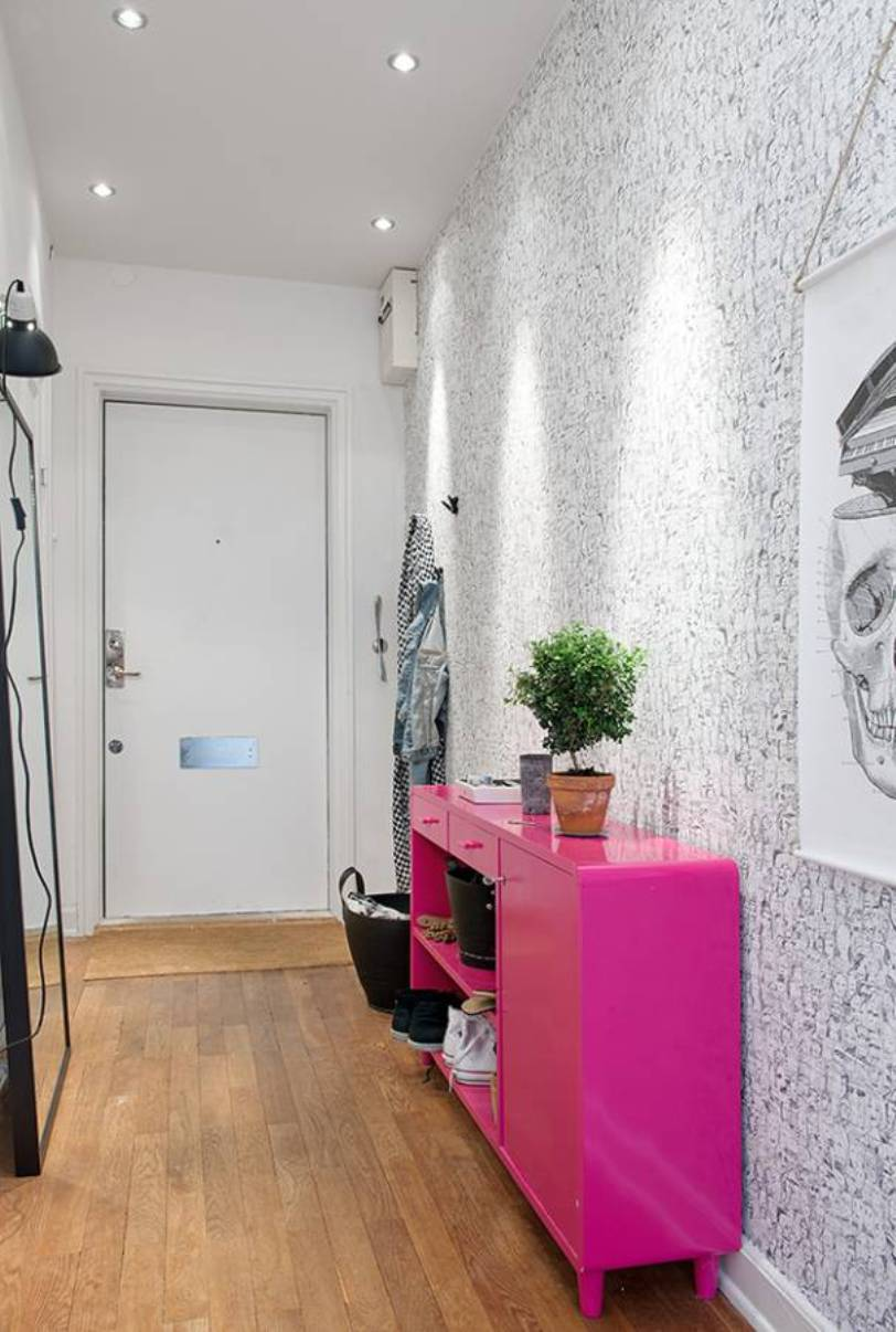 how-to-decorate-an-entrance-hallway