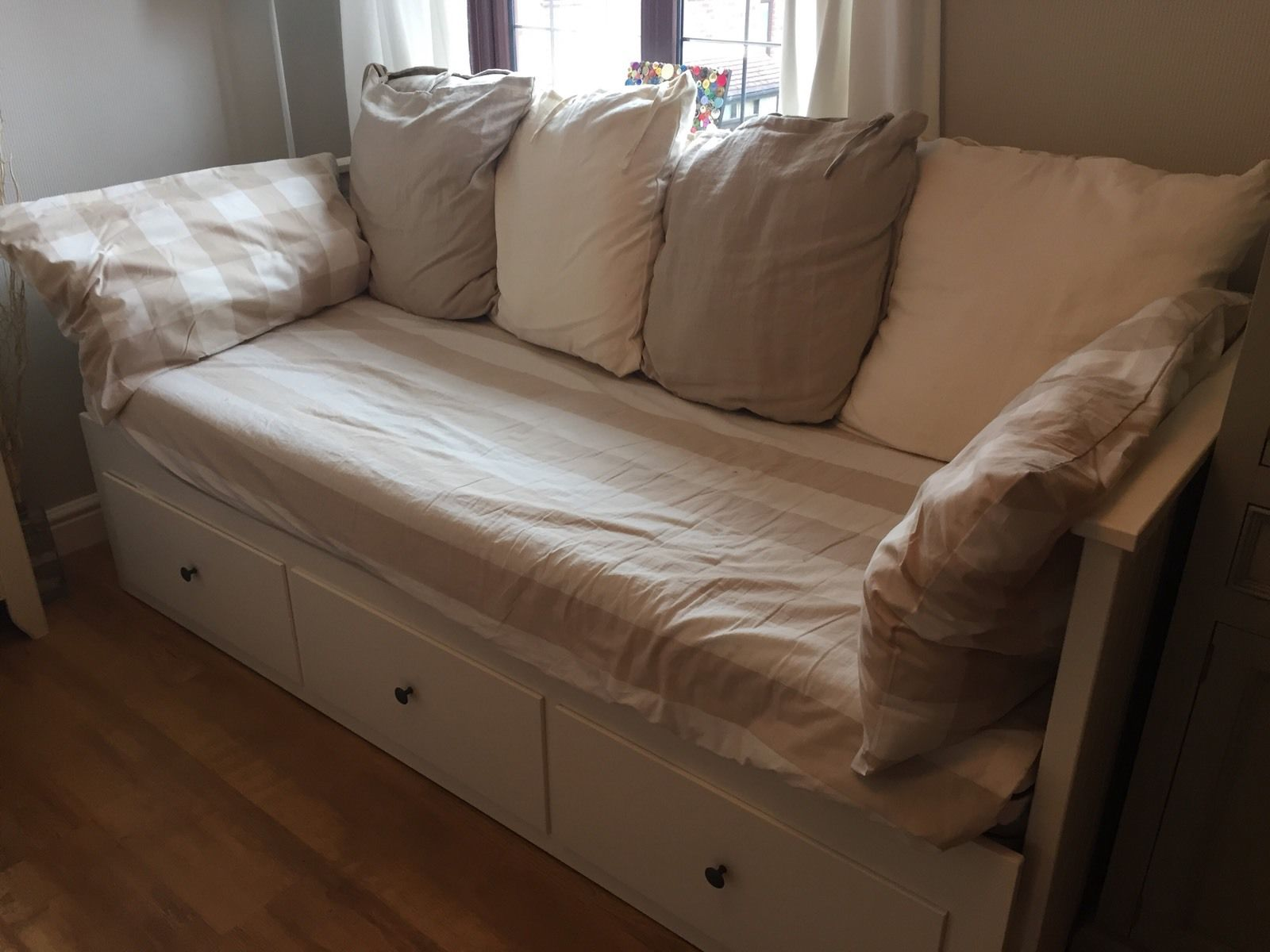 ikea-hemnes-daybed-with-2-mattresses-white-excellent-_57