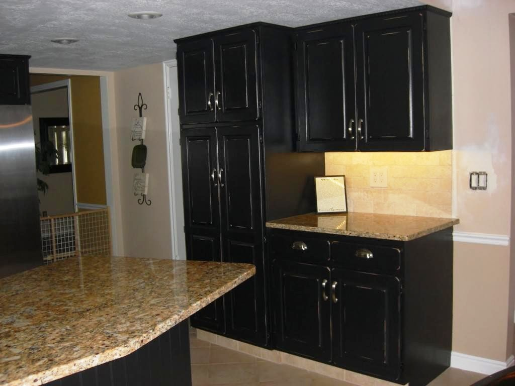 painting-kitchen-cabinets-black-distressed