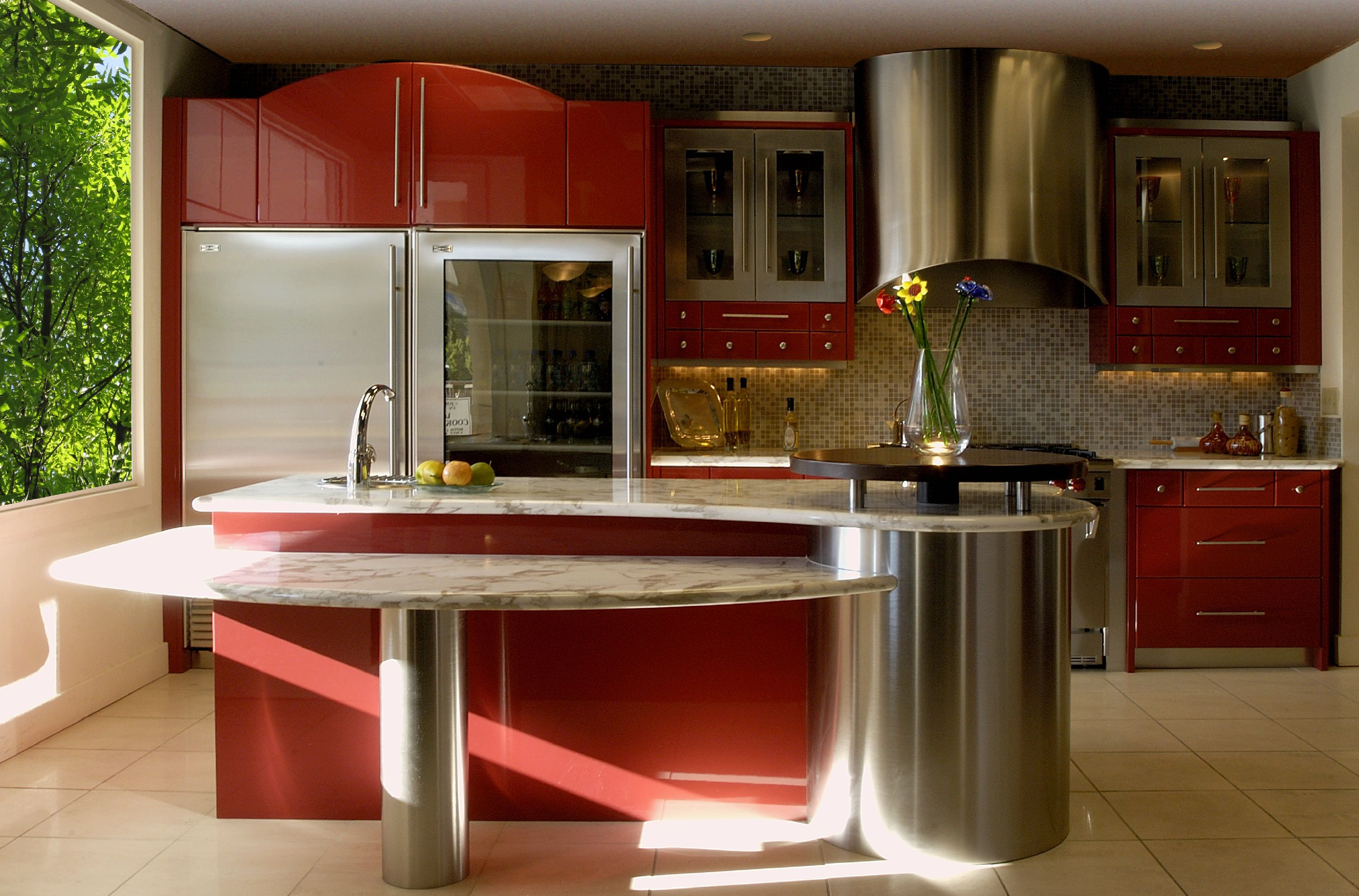 pleasing-interior-for-spacious-room-using-modern-red-kitchen-cabinets