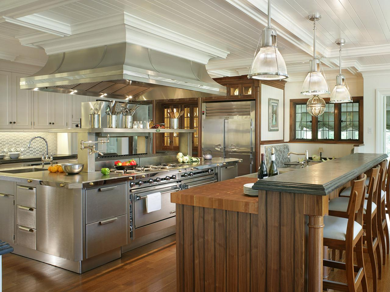rs_peter-salerno-stainless-steel-kitchen_s4x3-jpg-rend-hgtvcom-1280-960