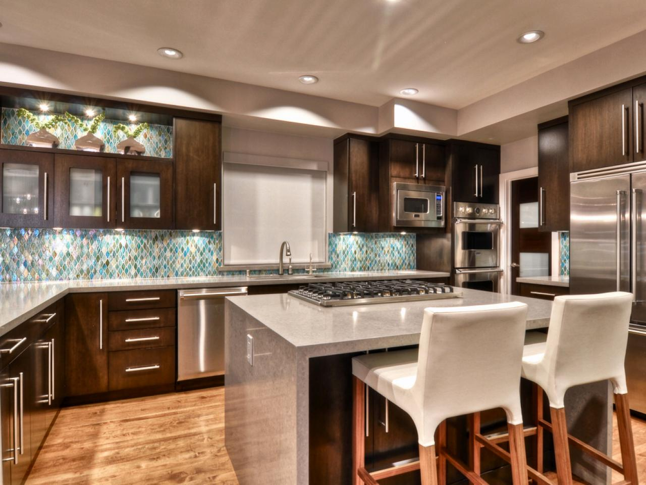 rs_shirry-dolgin-contemporary-kitchen-island_s4x3-jpg-rend-hgtvcom-1280-960