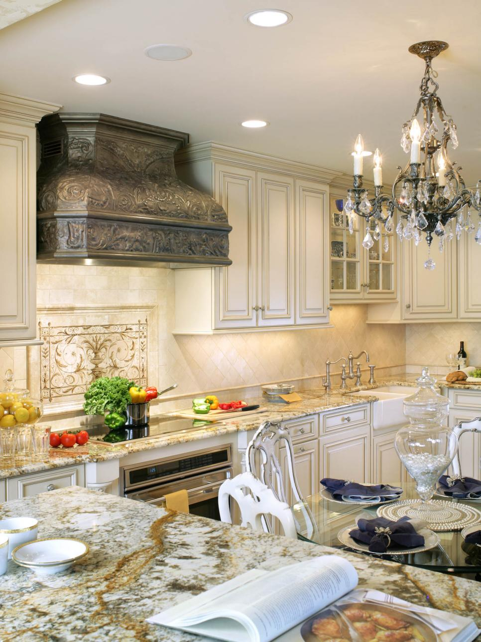 rx_nkba-2014__white-traditional-kitchen-4__v-jpg-rend-hgtvcom-966-1288