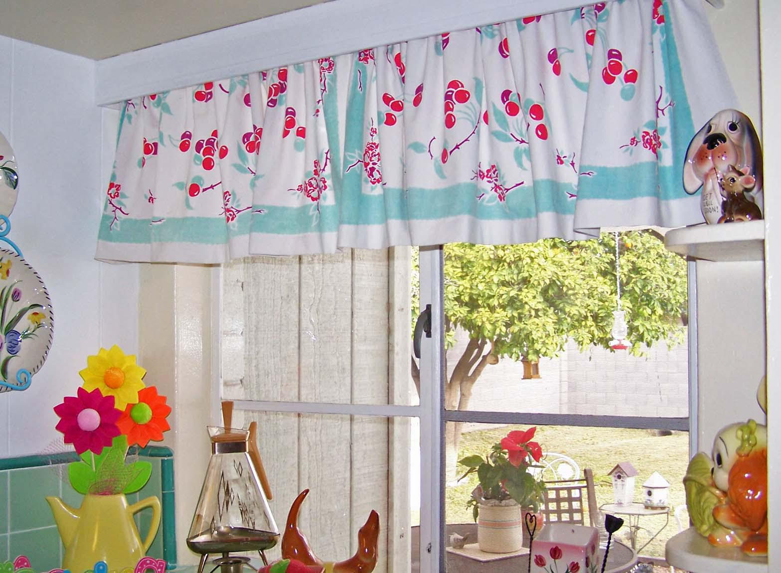 retro-modern-kitchen-curtains