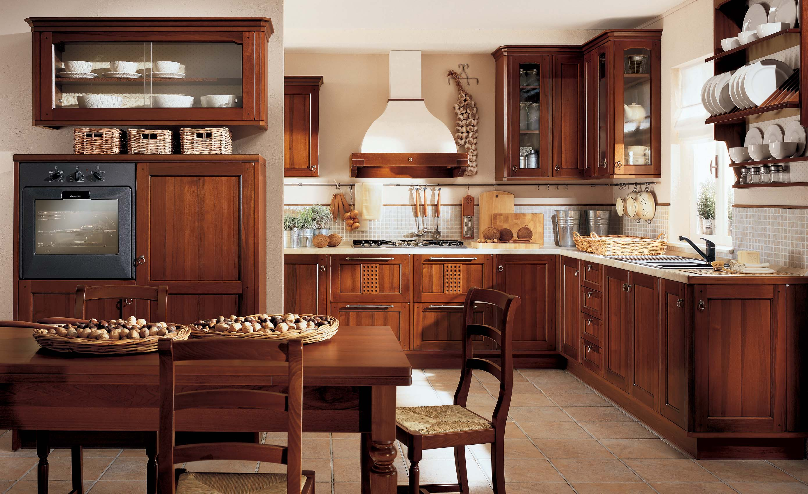 small-classic-lirica-kitchen-interior-design