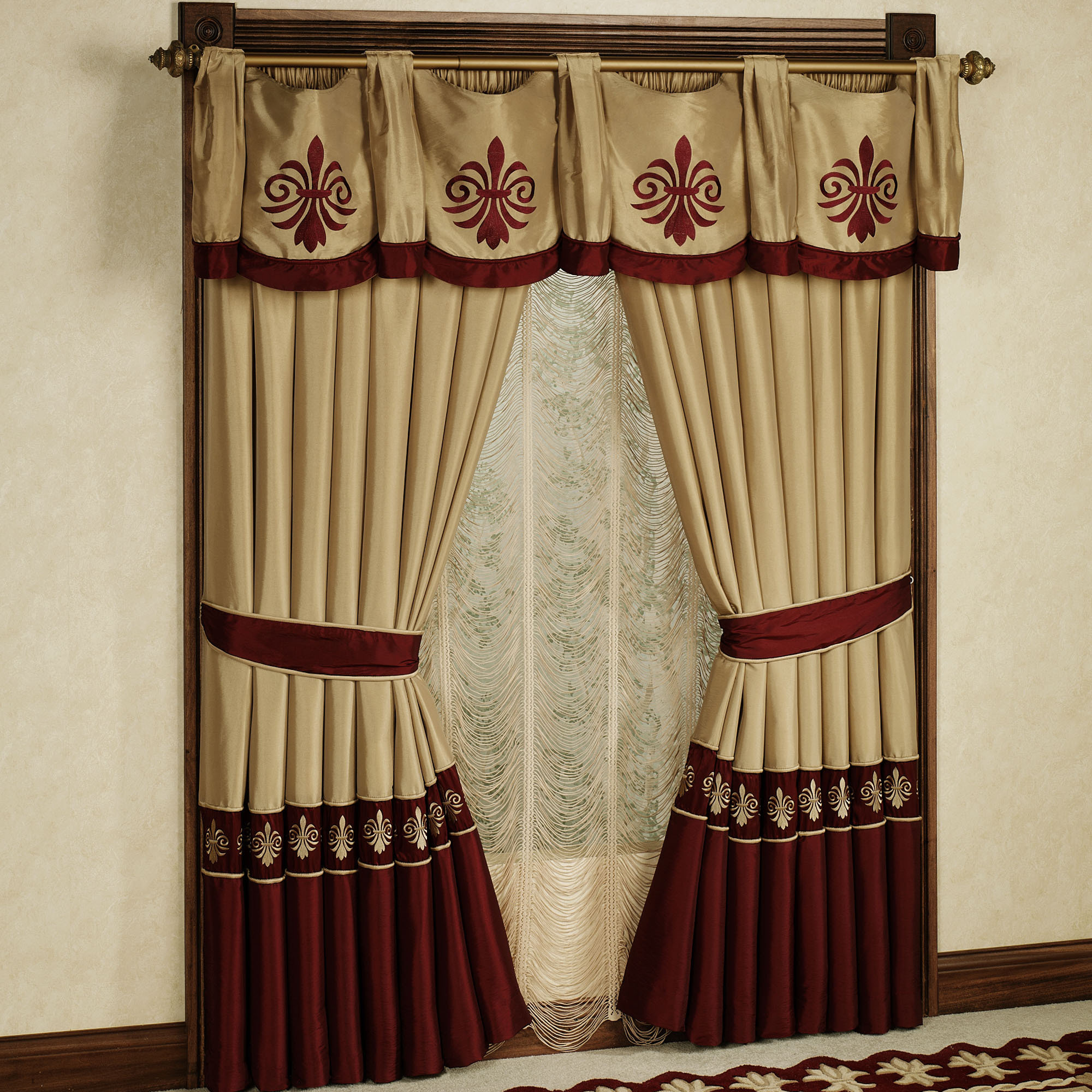 small-country-curtain-ideas