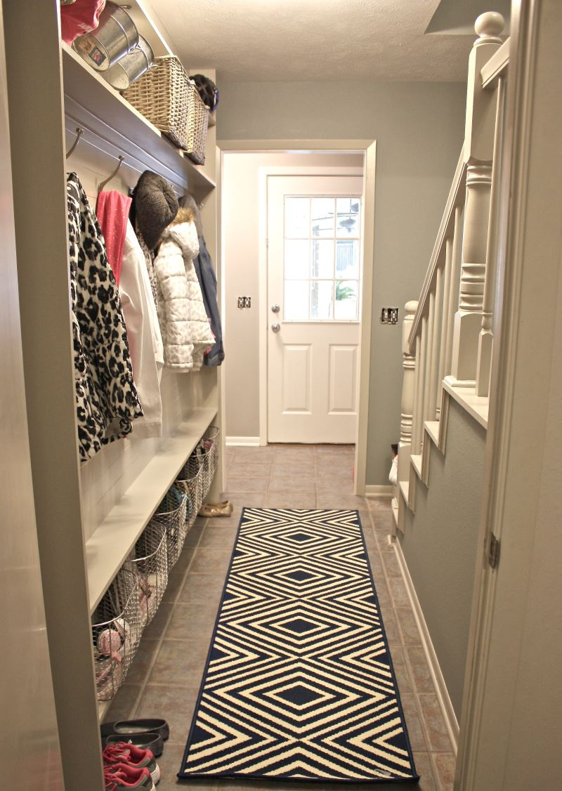 tutorial-for-framing-a-narrow-hallway-built-in-mudroom-the-creativity-exchange