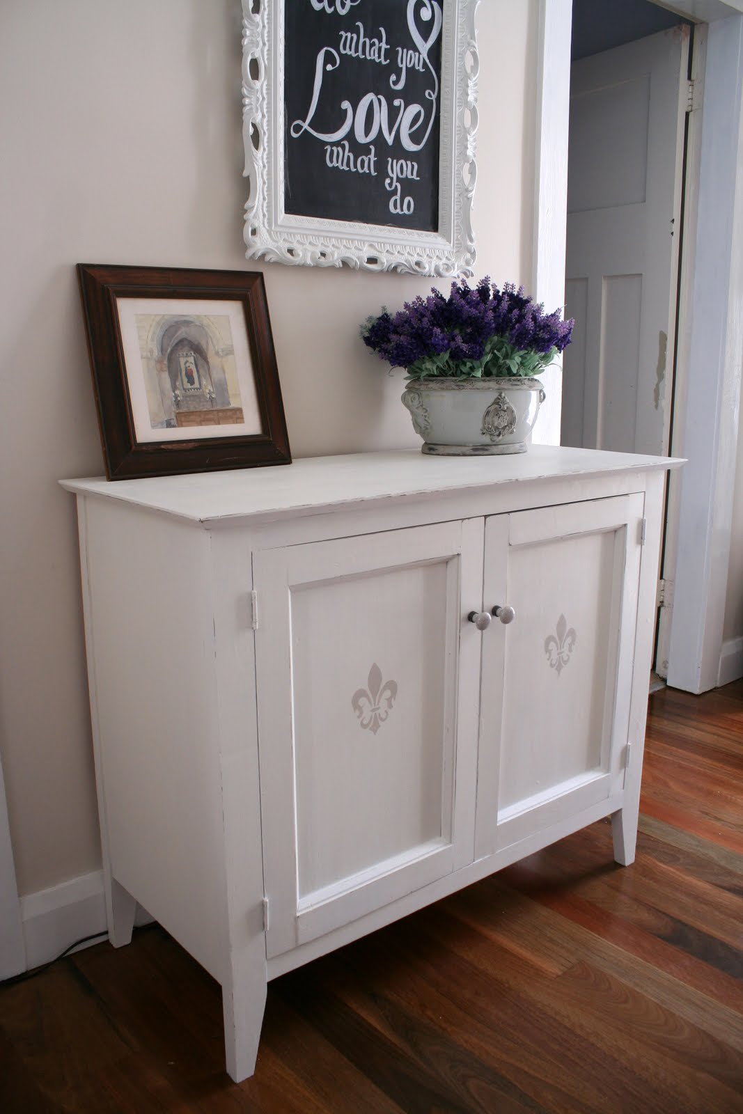 white-hall-cupboard-009