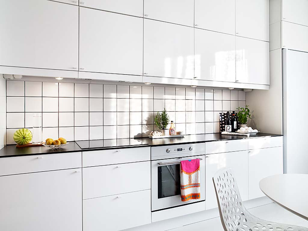 white-kitchen-with-white-cabinets-wallpapers