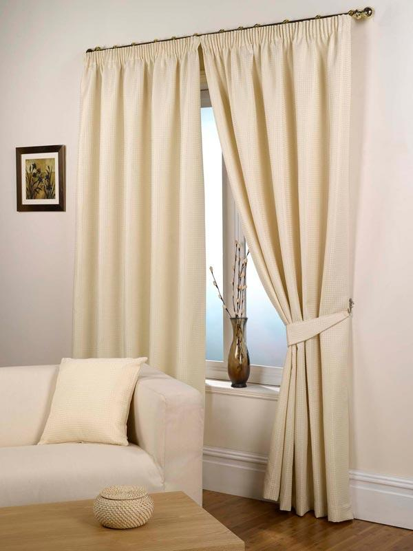 white-drapes-curtains-ideas-for-living-room